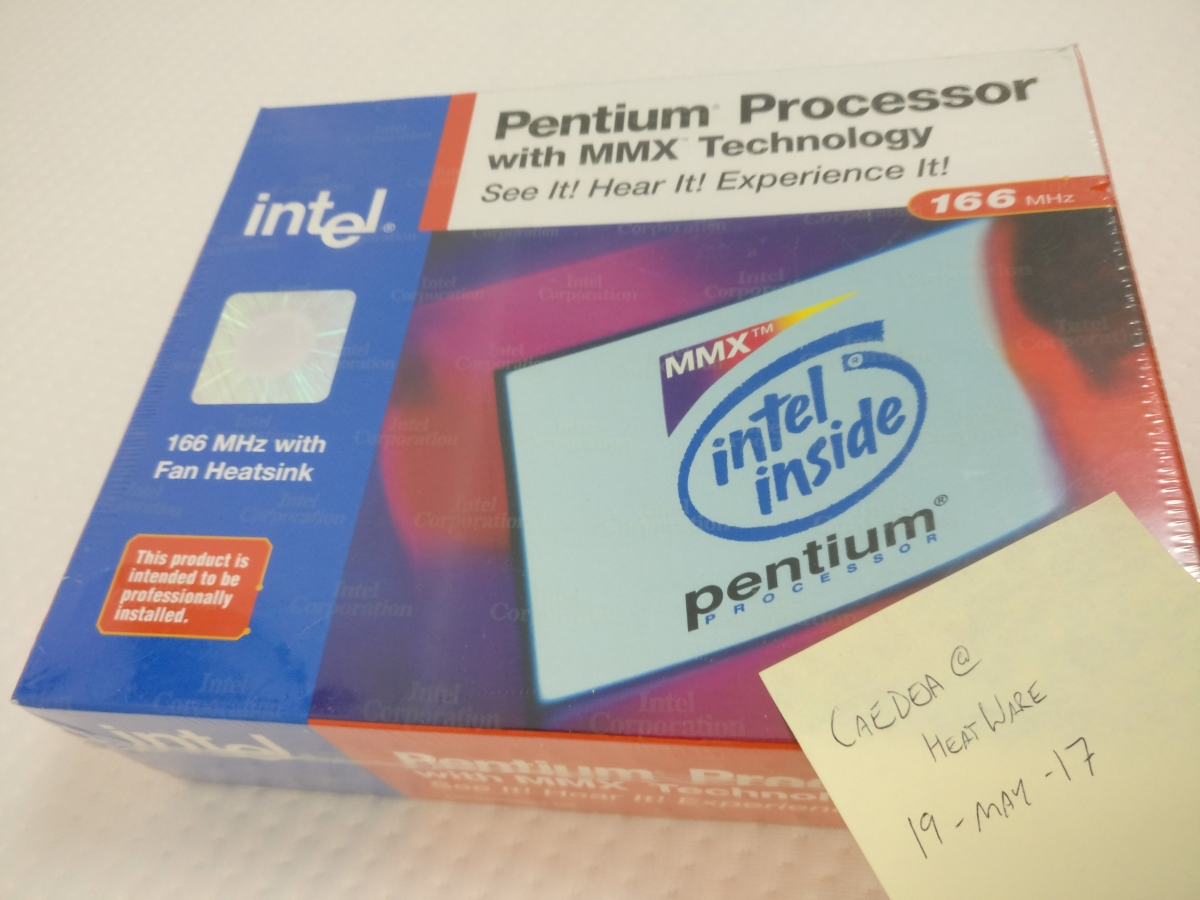 Photo of Intel Pentium 166MHz with MMX Technology