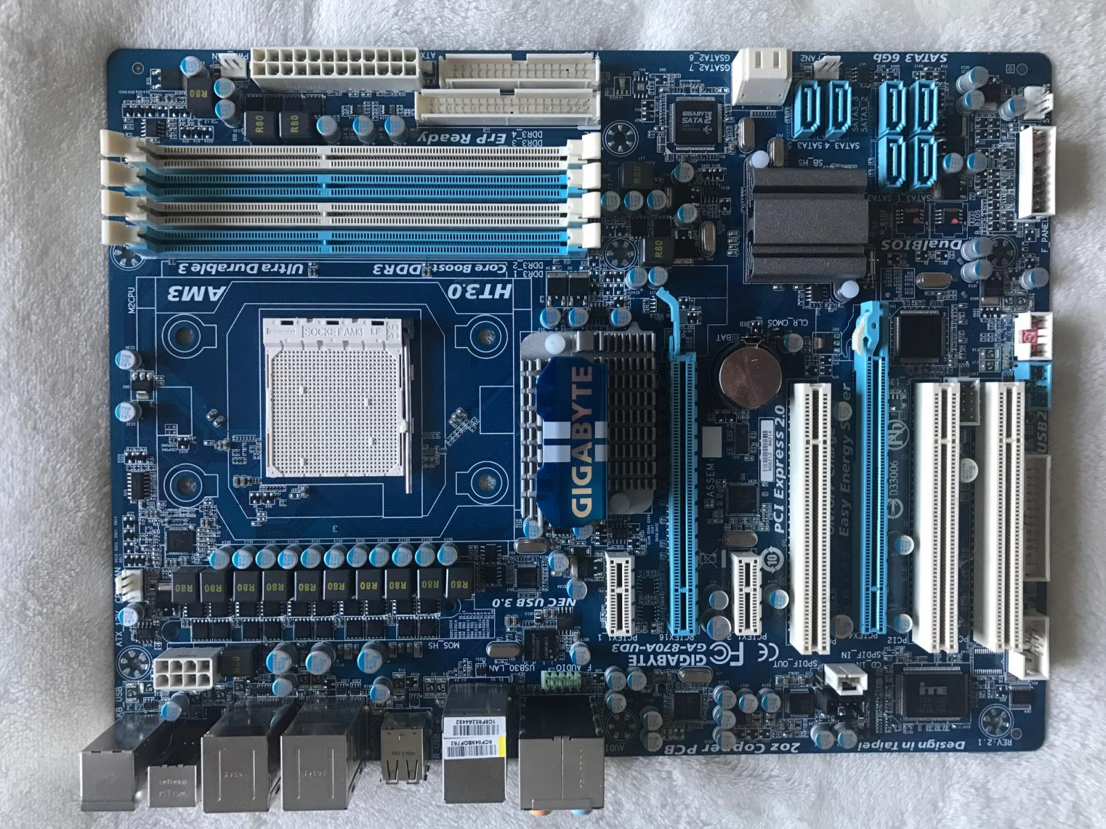 Photo of GIGABYTE GA-870A-UD3 AM3 AMD 870 SATA 6Gb/s USB 3.0 ATX AMD Motherboard