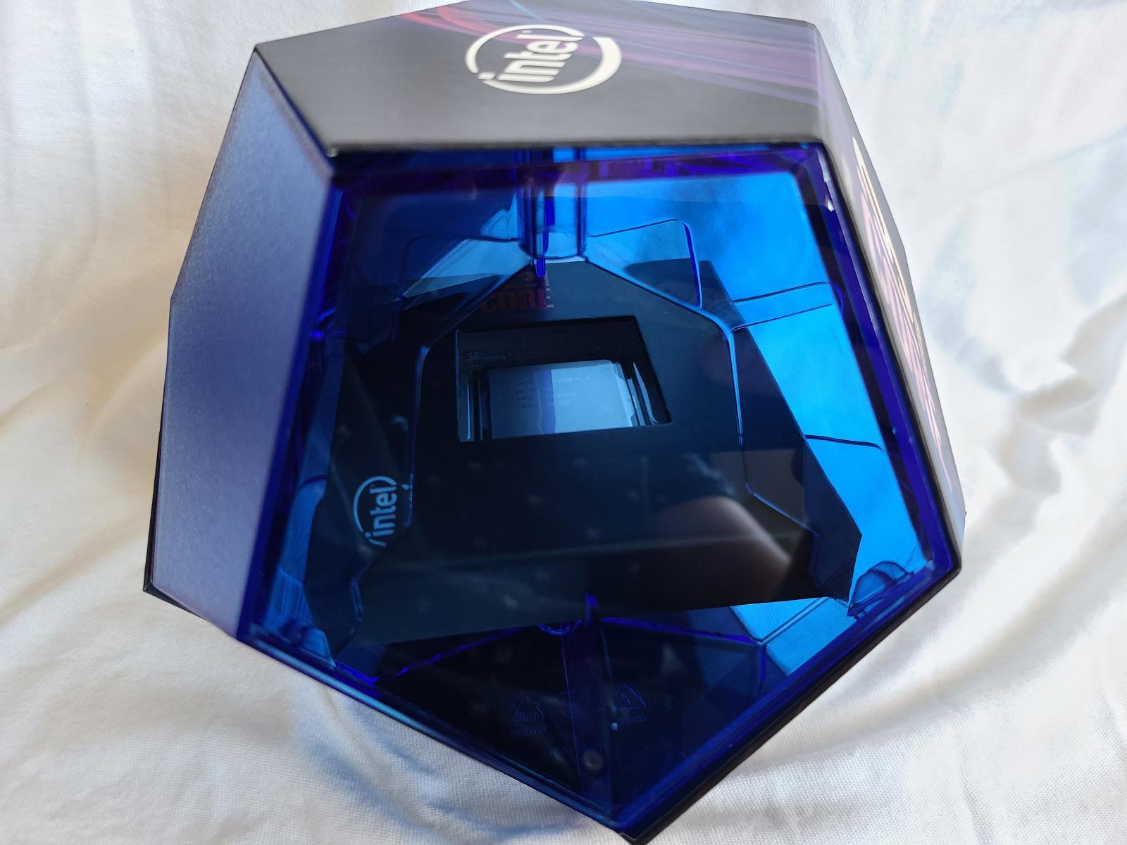 Photo of Core i9-9900K in original box