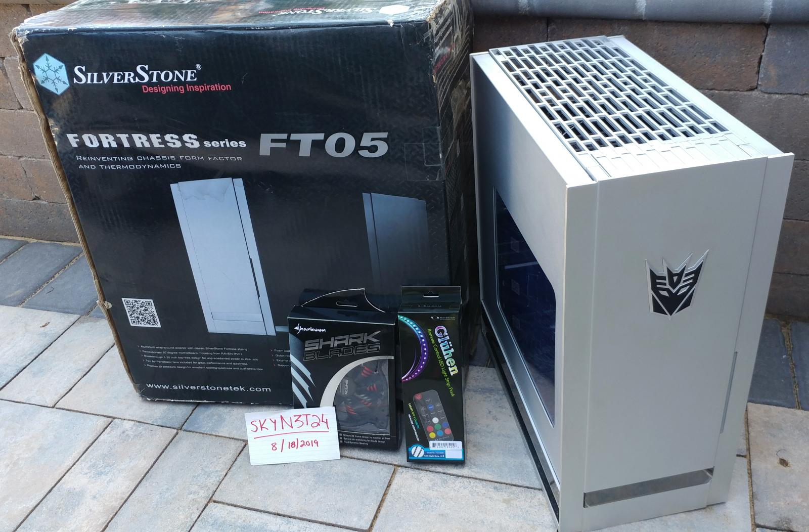Photo of Silverstone Fortress FT05 Silver Aluminum Mid-ATX Case.LOCAL!