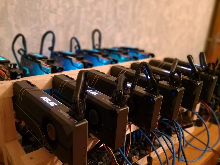 Photo of 13x GTX1080TI 11GB (7x ASUS TURBO, 6x Gigabyte AORUS EXTREME)