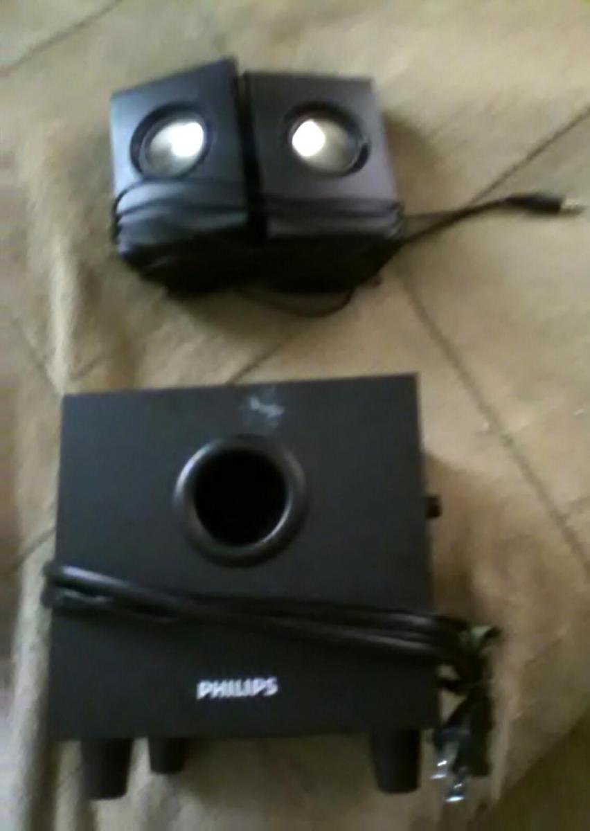 Photo of mint condition Philips SPA1330/37 Multimedia Speakers 2.1 (Black)